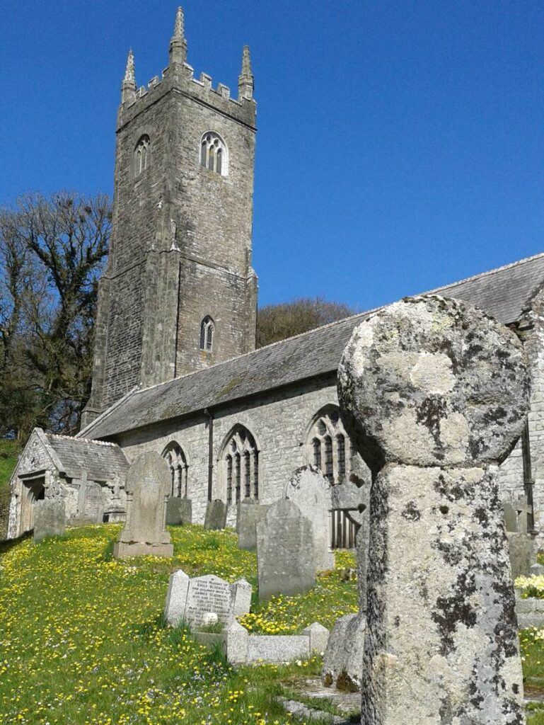 Church and ancient stone cross, Altarnun village, Bodmin Moor